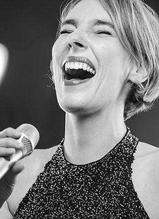 Elke Bartholomäus(Gesang: Jazz, Pop, Improvisation)